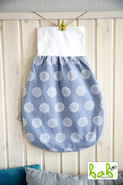 Strampelsack Baby 0-6 Monate Pucksack Schlafsack gefüttert oder ungefüttert Grau-Blau mit Blumen