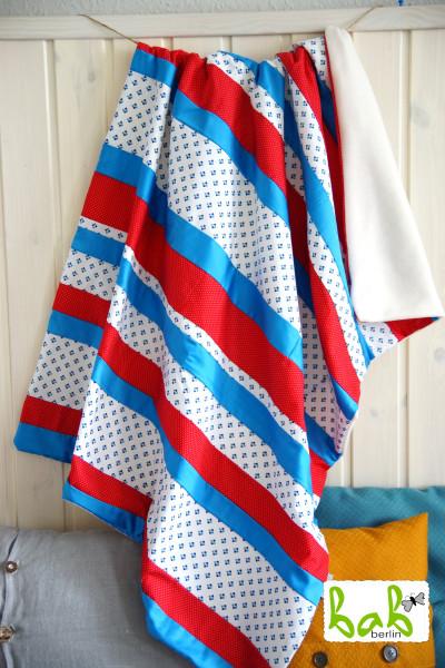 Babydecke, Kinderdecke, Kuscheldecke Patchwork mit Fleece in Blau Rot