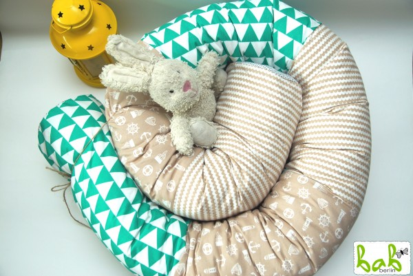 Nestchenschlange, Nestchenrolle, Lagerungskissen in Grün/ Beige fürs Babybett Handmade in Berlin