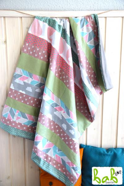 Babydecke, Kinderdecke, Kuscheldecke Patchwork mit Fleece in Rosa Grün